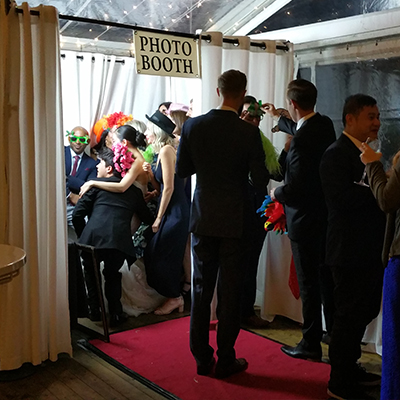Enclosed Photo Booth for Wedding